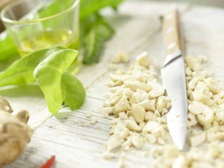 Hähnchenbrust mit Cashewkruste: Zubereitungsschritt 1