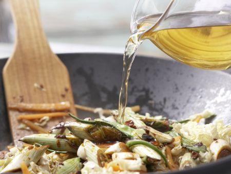 Hähnchenfilet mit Chinakohl: Zubereitungsschritt 9