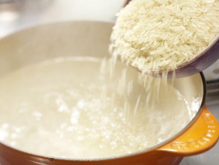 Hähnchenkeulen auf Tomatengemüse: Zubereitungsschritt 7