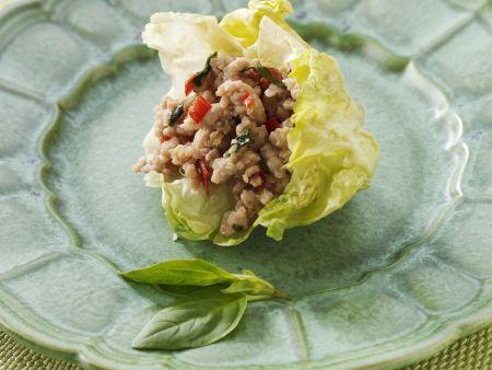 Hähnchensalat auf thailändische Art
