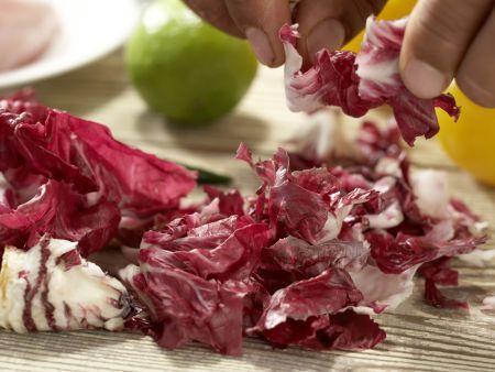Hähnchensalat mit gegrillten Pfirsichen: Zubereitungsschritt 1