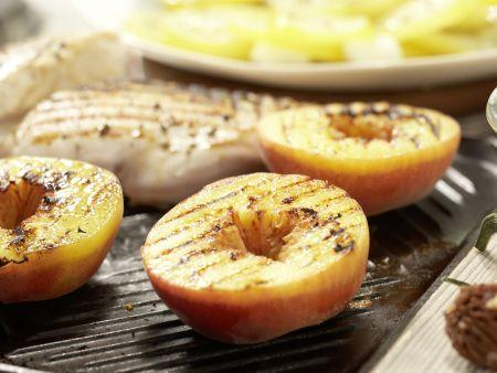 Hähnchensalat mit gegrillten Pfirsichen: Zubereitungsschritt 7