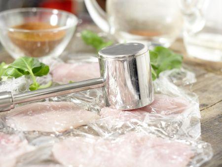 Hähnchenscheiben in Käsepanade: Zubereitungsschritt 8