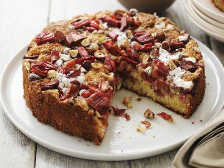 Haselnuss-Rhabarber-Kuchen