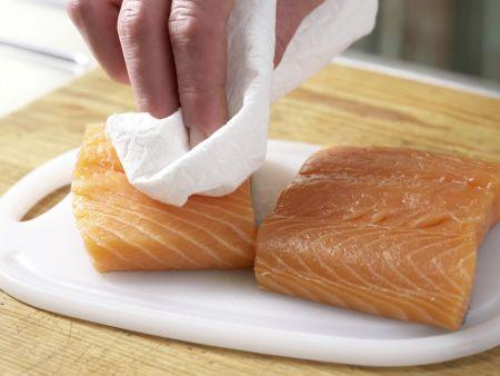 Hausgebeizter Lachs: Zubereitungsschritt 1