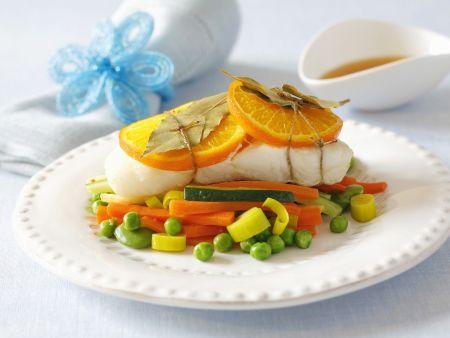 Heilbuttfilet mit Orangen und Gemüse