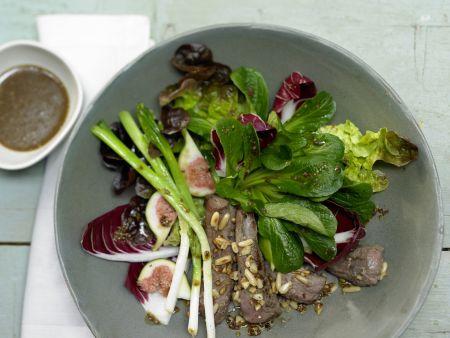 Herbstlicher Salat mit Lammfilet