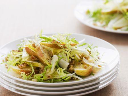 Rezept: Herbstlicher Salat von Endivien und Birnen
