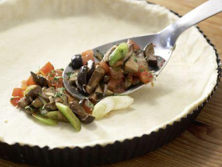 Herzhafte Tarte mit Pilzen: Zubereitungsschritt 9