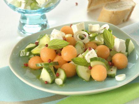 Herzhafter Melonensalat mit Schafskäse