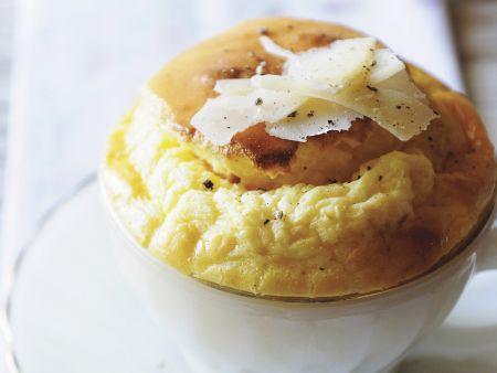 Rezept: Herzhaftes Soufflee mit Käse und Senf