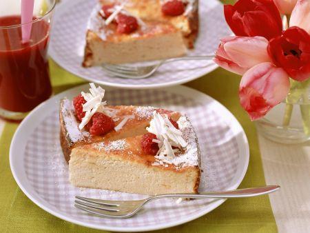 Himbeer-Quark-Torte mit weißer Schokolade