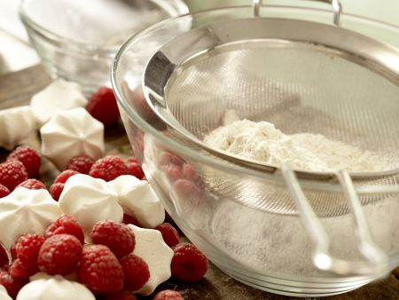 Himbeer-Sahne-Torte: Zubereitungsschritt 1