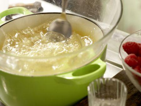 Himbeer-Sahne-Torte: Zubereitungsschritt 7