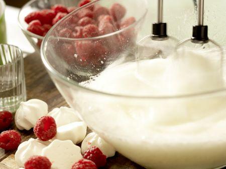 Himbeer-Sahne-Torte: Zubereitungsschritt 8