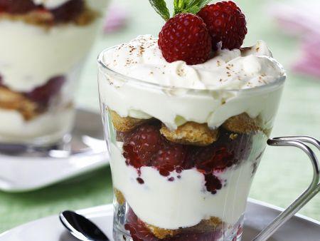 Himbeer-Trifle mit Sahne