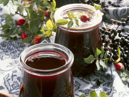 Holunder-Hagebutten-Marmelade