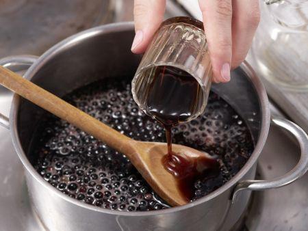 Holunderbeer-Kaltschale: Zubereitungsschritt 7