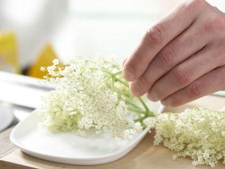 Holunderblüten-Küchlein: Zubereitungsschritt 1