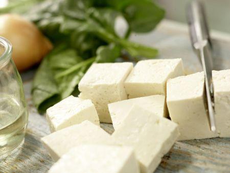 Indischer Käse auf Kokos-Spinat: Zubereitungsschritt 5