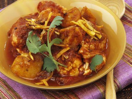 Indisches Blumenkohl-Curry mit Kartoffeln (Aloo Gobi)