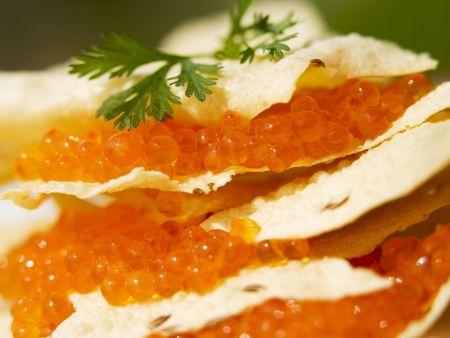 Indisches Fladenbrot (Papadams) mit Kaviar