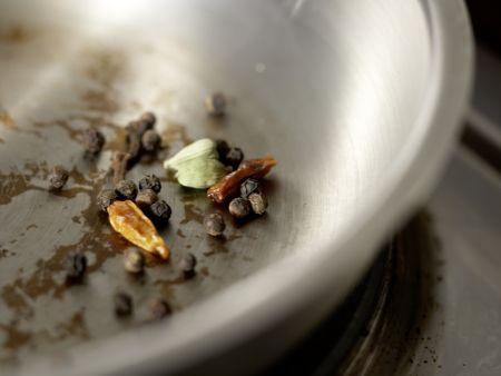 Indisches Hähnchen-Curry: Zubereitungsschritt 1