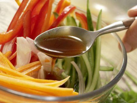 Indonesischer Salat: Zubereitungsschritt 11