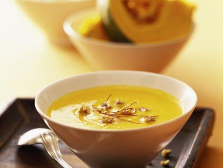 Ingwer-Kürbis-Suppe mit Chilifäden