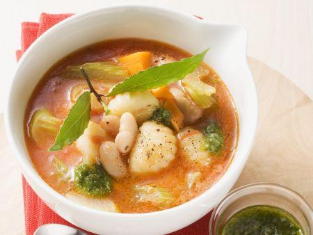 Italienische Gemüsesuppe mit Gnocchi