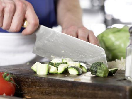 Italienische Gemüsesuppe: Zubereitungsschritt 3