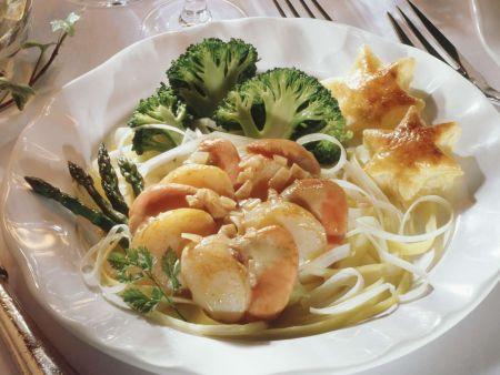 Jacobsmuscheln mit Gemüse