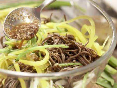 Japanischer Nudelsalat: Zubereitungsschritt 7