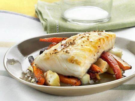 Rezept: Kabeljaufilet mit Sellerie-Möhren-Gemüse