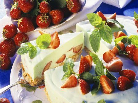 Käse-Erdbeerkuchen mit Knusperboden