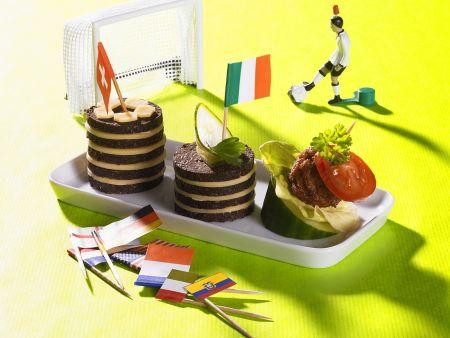 Käse-Pumpernickel-Tümchen mit Fleischbällchen