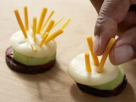 Käseigel mit Möhrenstiften: Zubereitungsschritt 5