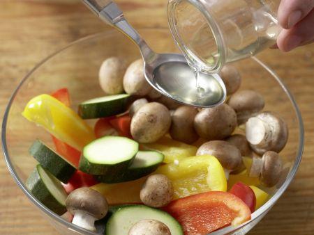 Käsesoufflé mit buntem Gemüse: Zubereitungsschritt 8