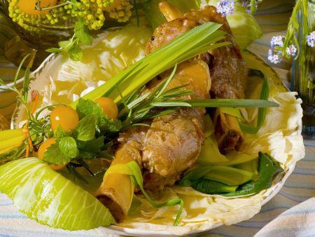 Kalbshaxen mit gemischtem Gemüse