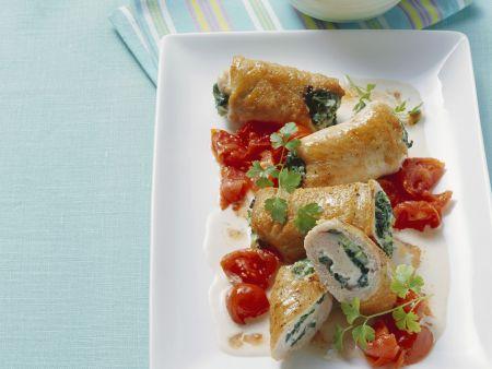 Kalbsrouladen mit Spinat dazu Tomatengemüse