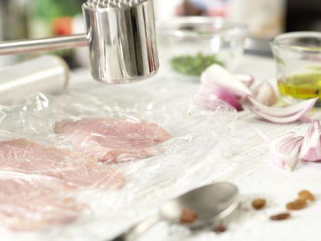 Kalbsschnitzel in Granatapfelsauce: Zubereitungsschritt 4