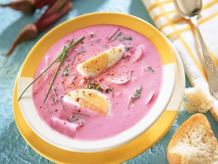 Kalte Rote Bete-Suppe mit hartem Ei (Chlodnik)