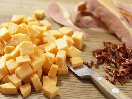 Kalte Süßkartoffelsuppe mit Tomaten: Zubereitungsschritt 2