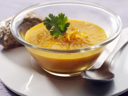 Karotten-Curry-Suppe mit Apfelsine