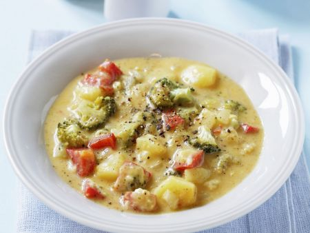 Kartoffel-Brokkoli-Suppe mit Paprika