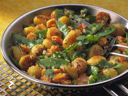 Kartoffel-Bulgur-Pfanne mit Zuckerschoten und Karotten