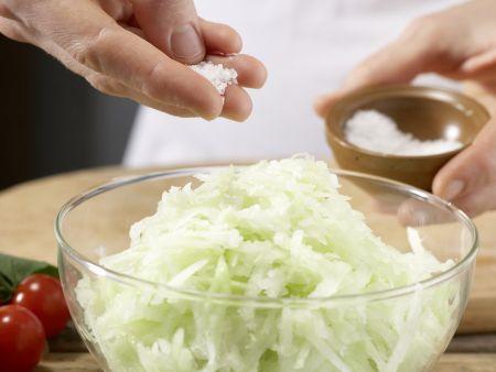 Kartoffel-Kohlrabi-Puffer: Zubereitungsschritt 2