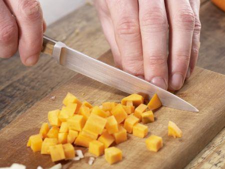 Kartoffel-Möhren-Suppe: Zubereitungsschritt 2
