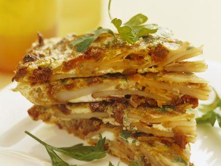 Kartoffel-Omelett mit Speck und getrockneten Tomaten