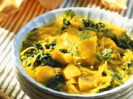 Kartoffel-Spinat-Curry mit Zwiebeln